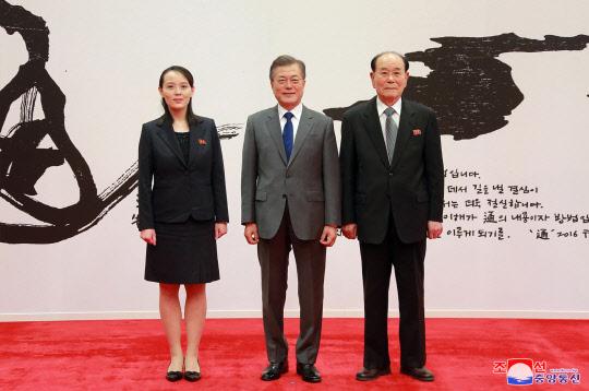 `평창외교` 숨가빴던 문 대통령, 오늘 하루 일정없이 정국 구상
